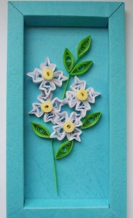 flori albe-tablou quilling